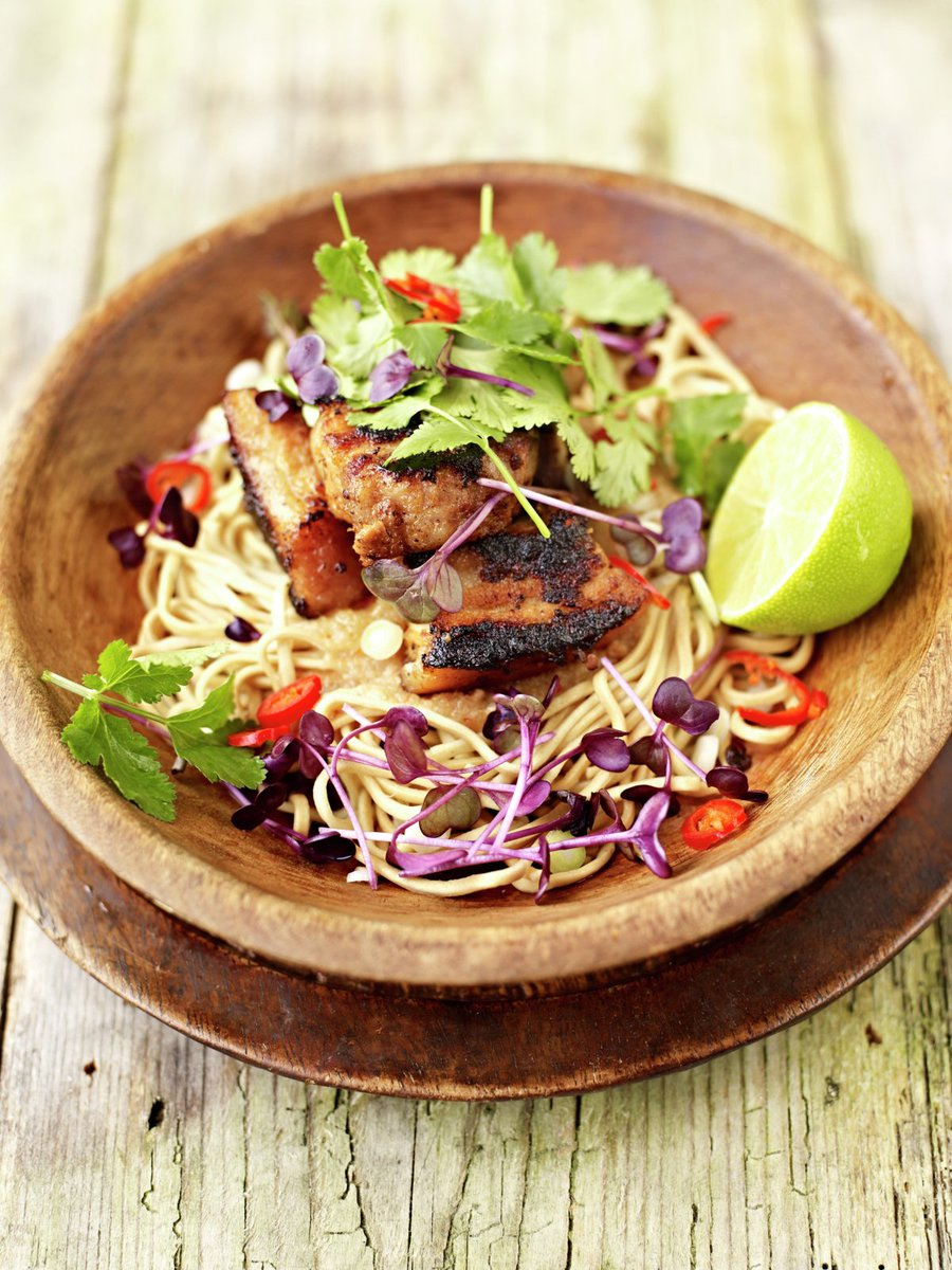 #RecipeOfTheDay - This hot and sour rhubarb and crispy pork with noodles recipe just works! https://t.co/K7DRGfgIRp https://t.co/y4rHAgFvq8