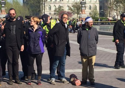 PCCC's @AdamGreen arrested at #DemocracySpring, standing up to get money out of politics. H/t @CenkUygur for the pic https://t.co/mDLZoHYcl2