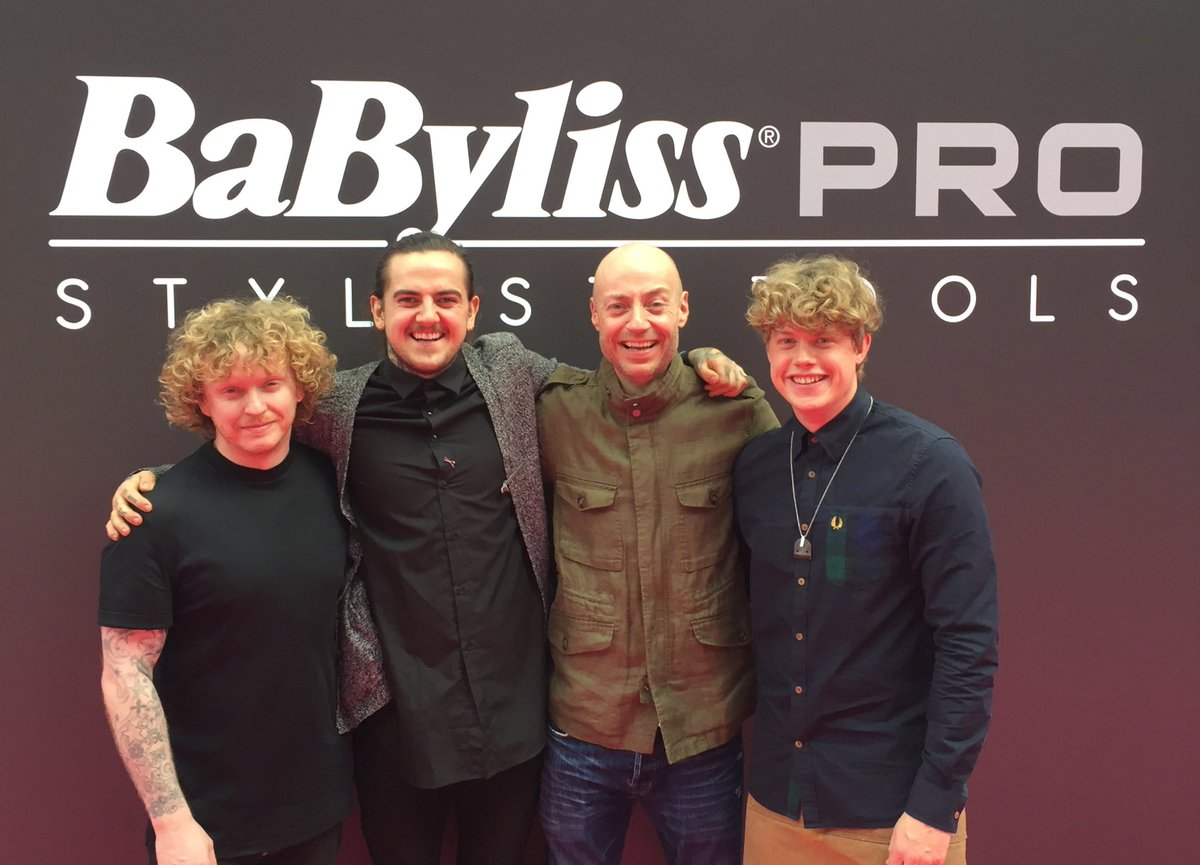 That's a wrap! Thank you to our excellent team for all your hard work this weekend at #ProHairLive2016 https://t.co/0hFv50wGx1