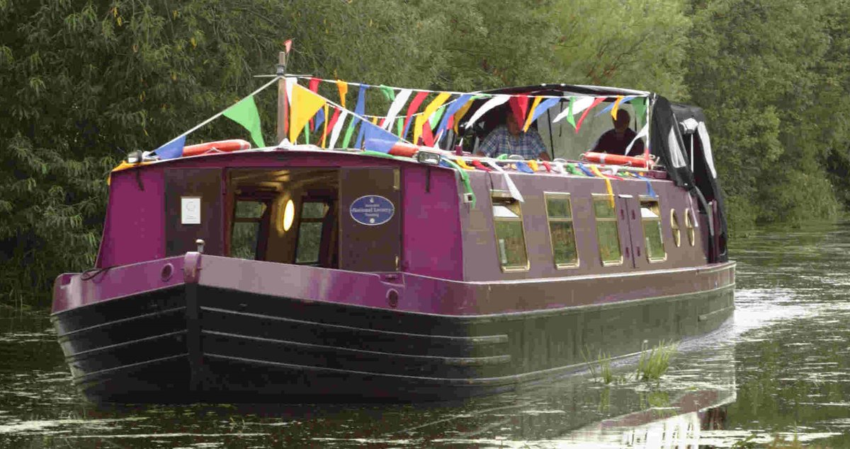 RT @edinburgh: Hop on board a FREE canal boat ride from 12pm-2pm at @FountainFridays launch today. https://…