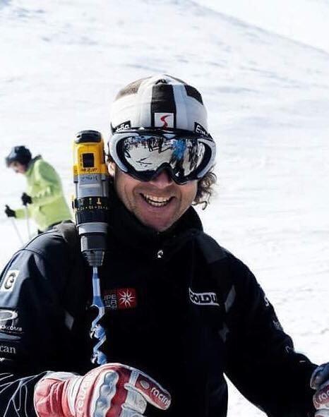 Llega la nieve y perdemos a uno de los grandes de la montaña, Andrés Middleton te extrañaremos amigo. #R.I.P https://t.co/FicAlbMe8j