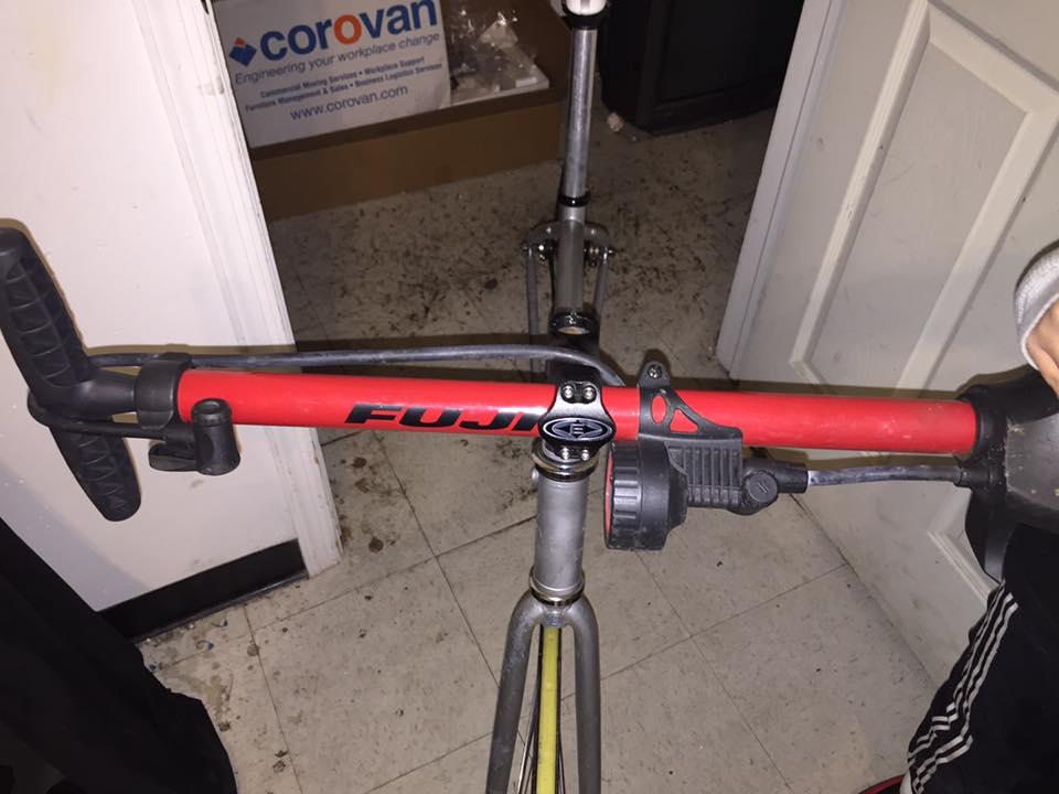 Two in one. Way to go bike McGuyver. https://t.co/JYYgbyZGsU