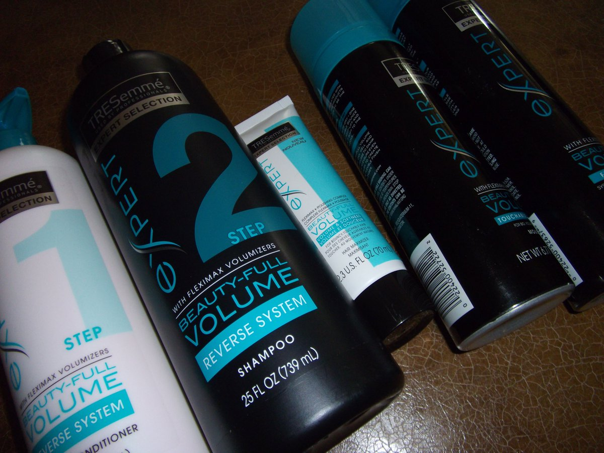 Special thanks to @Tresemme for this amazing collection:  Beauty Full Volume! #Hair https://t.co/0TOxfWqSX5