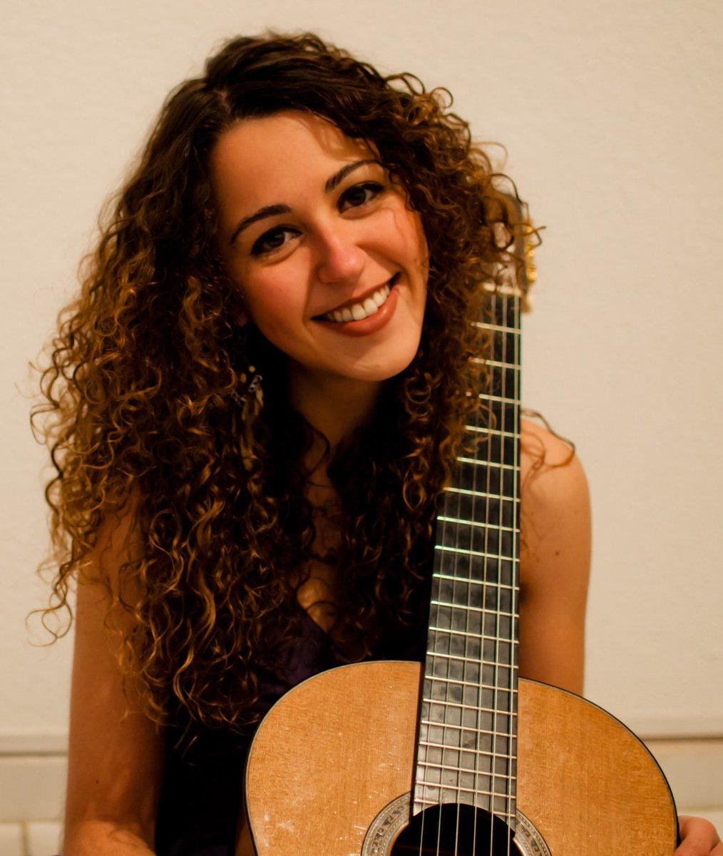 07-05-2016 Presencia de la Facultad de Música. Marina Tomei, guitarra  Sala Carlos Chávez/18:00 horas $80 https://t.co/4CFDBtcX9g