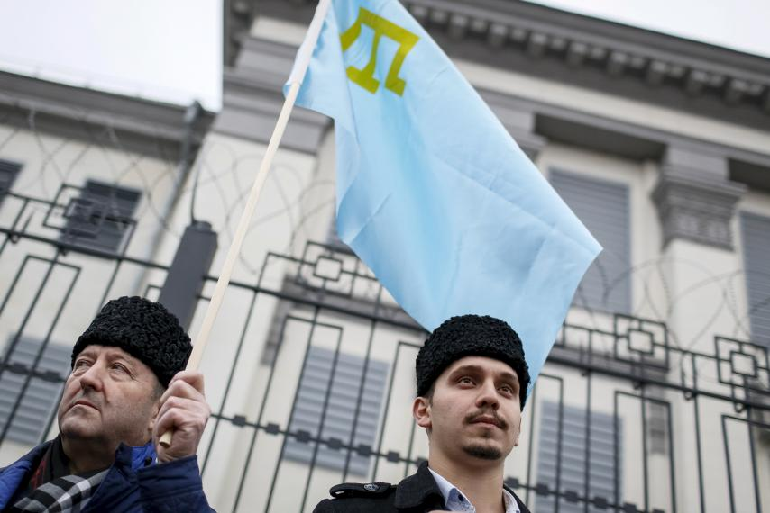 Crimea's Tatar council is moving to Kiev after being banned by Russia