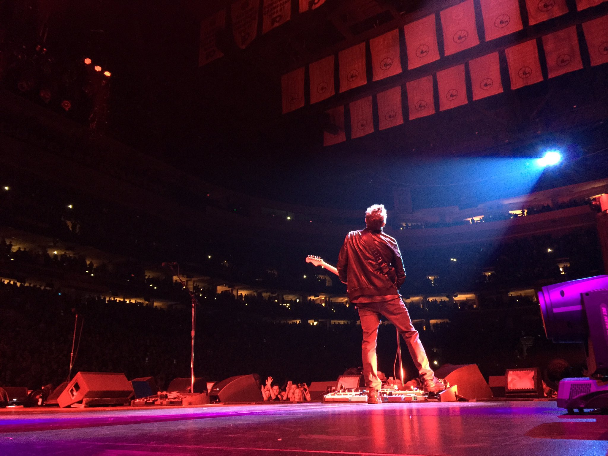 Thank you Philly! Had two amazing nights. #PJPhilly https://t.co/M1Kh8siRSk