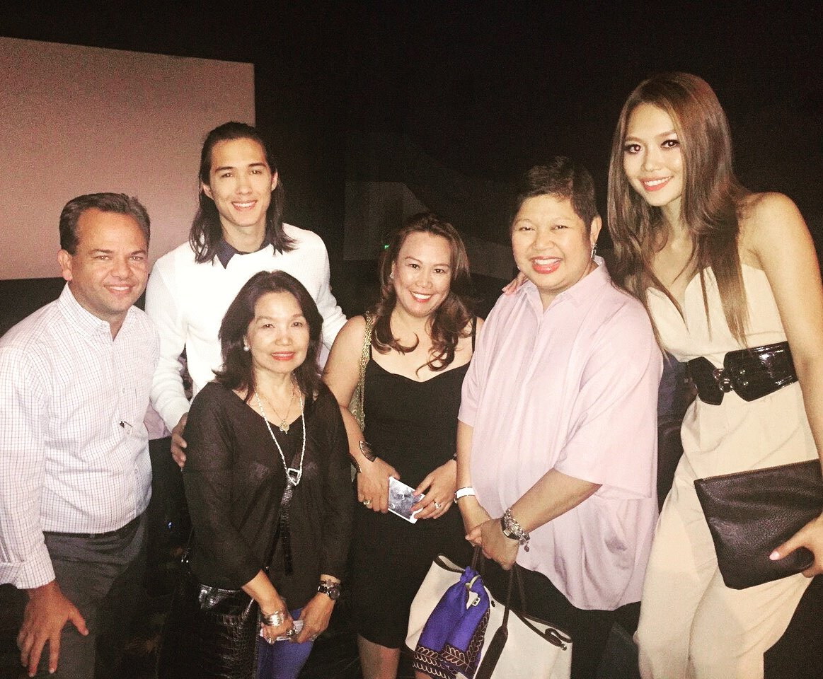 #ToMiho with Ayala Land executives and world-renowned artist, Ann Pamintuan at the #JustThe3OfUs premiere. https://t.co/zvC82gSYG6