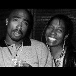 R.I.P. to the mother of Tupac and political activist, Afeni Shakur. https://t.co/cTJxpEIwYb