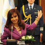 Esta foto tiene pocos años. ..tengamos memoria. Hugo Moyano, @CFKArgentina y @SergioMassa juntos https://t.co/E3AzB7CgdC