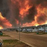#FortMcMurray please text REDCROSS to 30333 to help. This is devistating???????? #Canadastrong please RT???? https://t.co/0wJnvNg7cx