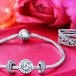 Celebrate remarkable women who go above & beyond w/ a #MothersDay gift from @PANDORA_NA #ad #ellexpandora https://t.co/UzLLB7lJm9