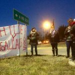 Chilotes en #Magallanes en apoyo a #ChiloeEnCrisis @DefendamsChiloe @RedAustral_tvn @TVN https://t.co/b3eBS39haQ