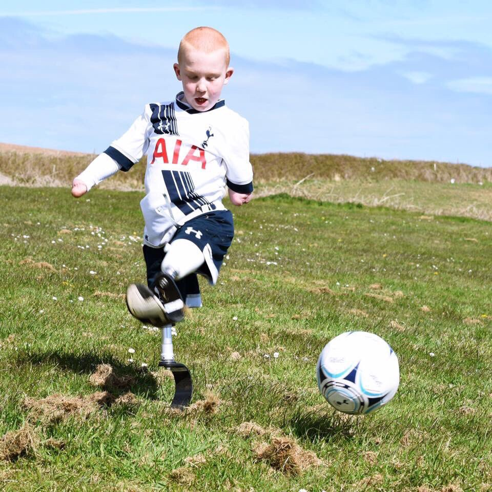 Huge game on Sunday, will be a great day but I'm most looking forward to meeting this little fella at half time. https://t.co/5zWhl9zxP1