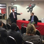 Thrilled to have Sen. @RonWyden at @NorthMedford High to talk #CTEed https://t.co/vzwA4Xb176