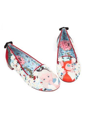 Step into Wonderland ✨ Limited Edition #AliceInWonderland styles left now @fundotcom_ https://t.co/p5aovG9T6c