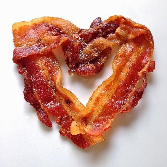 Love #bacon & #wine? Join me, @figgirl & @Corner103 on July 16!  https://t.co/pwNkasqFEv #SonomaChat #Sonoma https://t.co/rz0prCdBL3