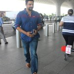 RT @toiphotogallery: #Celebrity Sightings: @ActorMadhavan snapped at #Mumbai airport  For More https://t.co/zz2KpBBg9m https://t.co/OsiB9Pk…