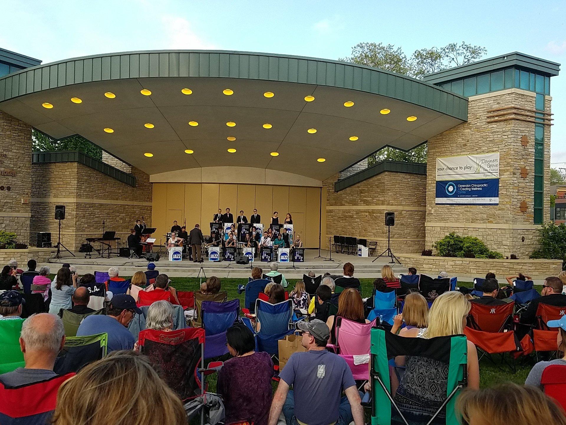 Full house @d99 jazz concert #weareDGN @DGNFineArts https://t.co/uNBYGqWgsC