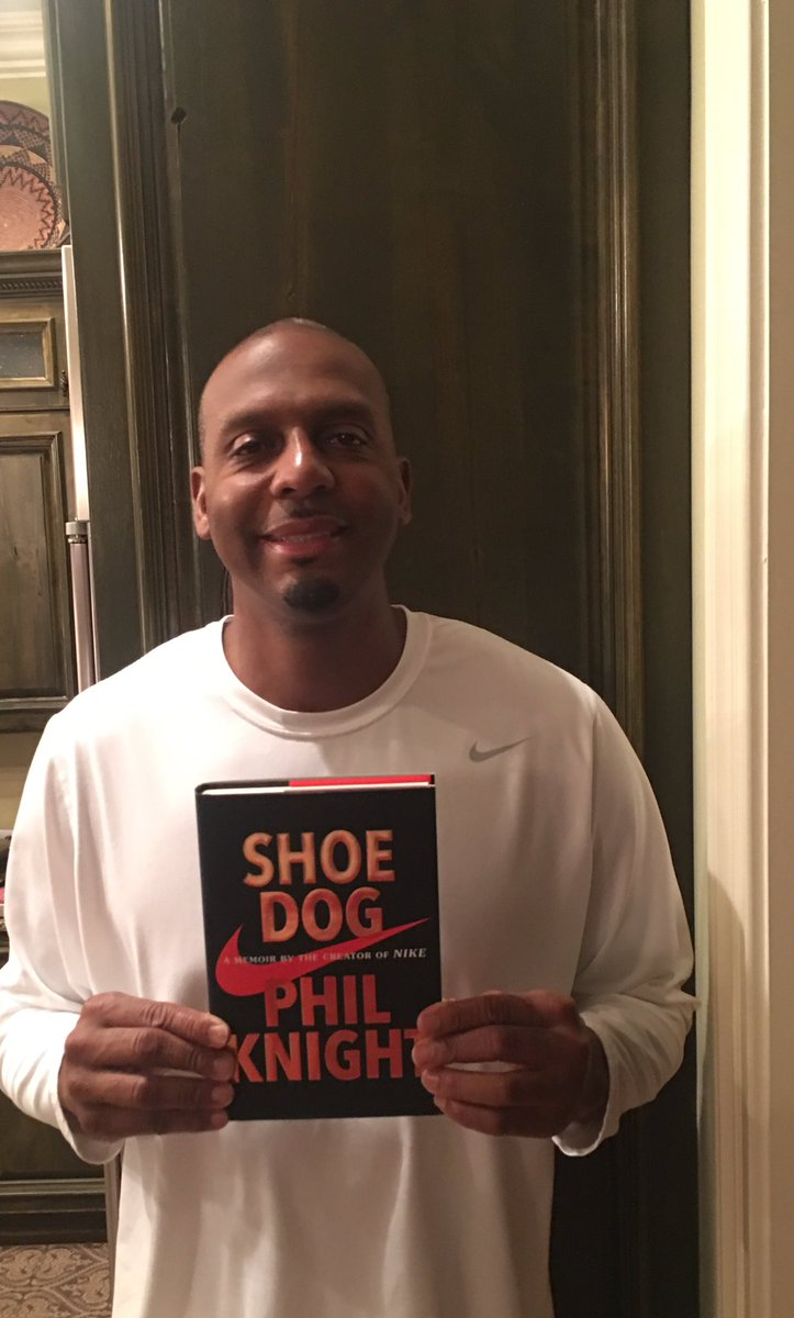 "I want to send a special thanks to Phil Knight for sending me his book ""Shoe Dog"". I am very honored. https://t.co/rWuu0NYzPo"
