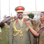 Maj. Gen. Muhoozi Kainerugaba being pipped by Chief of Defence Forces, Gen. Katumba Wamala & his wife earlier today. https://t.co/kpZiVzr4Q4