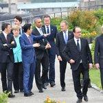 #G7 #伊勢志摩サミット の第1日目の5月26日、オバマ大統領、安倍首相をはじめ各国首脳らは、午前中に伊勢神宮を訪れ、午後にはワーキングセッションでさまざまな問題について議論が行われました。 #オバマ来日 https://t.co/rjz9kmiaMn