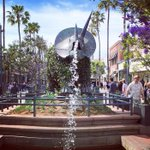 Why do you <3 Downtown #SantaMonica? Is it the dinos? Share your vision on 6/9 #ThePlanSM https://t.co/5Rl5w5RHZj https://t.co/BkObcRcywn