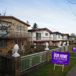 """Paint the town purple! """"This is our HOME-development w/o displacement"""" lawn signs available 4 order! #vanre #vanpoli https://t.co/Dn8yCUHpUp"""