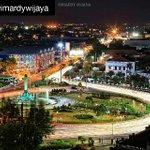 Wow indahnya lukisan malam di kawasan Tugu Muda Semarang https://t.co/U0hw6aGtNX
