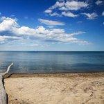 Secret beaches to seek out in and around #Toronto https://t.co/DQKAjlZ8QX https://t.co/n0DZSAlGXR