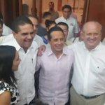 Acompañando a @CarlosJoaquin, al terminar el debate entre candidatos a Gobernador de Quintana Roo. #ElCambioNosUNE https://t.co/hLPjhVXkxA