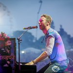 .@Coldplay lit up Exeter for #BigWeekend tonight (like a sky full of stars) ✨ https://t.co/pbszjIjazC