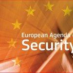 """@SlavekSobotka """"Musíme klást větší důraz na společnou #bezpečnost a obranu Evropy"""". Živě: https://t.co/vCFTqoGzRs https://t.co/Xw6zf16vZJ"""