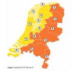 KNMI: Code oranje in Noord-Brabant; flinke regen- en onweersbuien trekken over regio https://t.co/0azZEuZ2sj https://t.co/hDdQit80KK