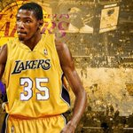 Hey @KDTrey5 you look good in purple and gold ???????? https://t.co/pIuP6yhoAx