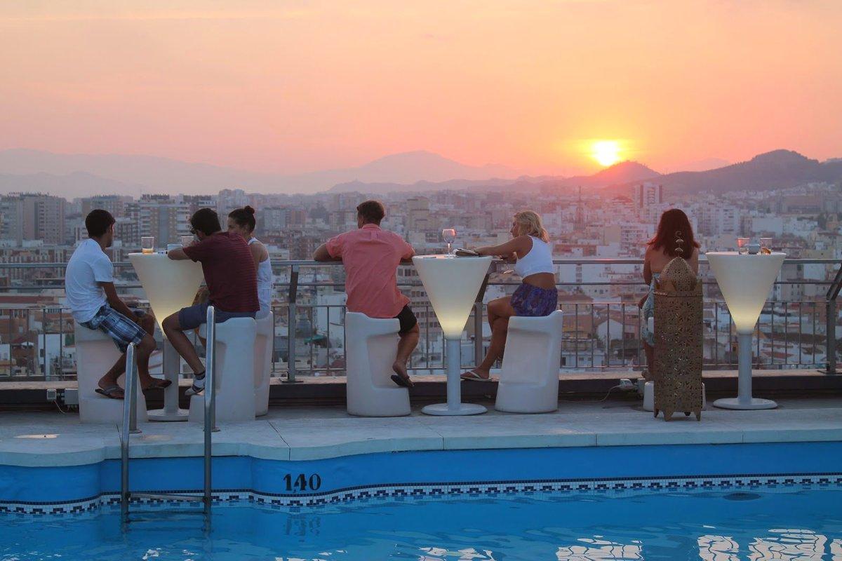 10 grandes terrazas con vistas para enamorarse de Málaga. https://t.co/ZfAPR1r9HO  Málaga es bella y única!! https://t.co/sgpYok1iHZ