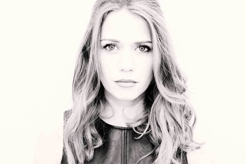 LOW TICKET ALERT! for @BethanyJoyLenz 7/25! Get the last few here: https://t.co/FkO2XmGzli https://t.co/3E04GElAeV