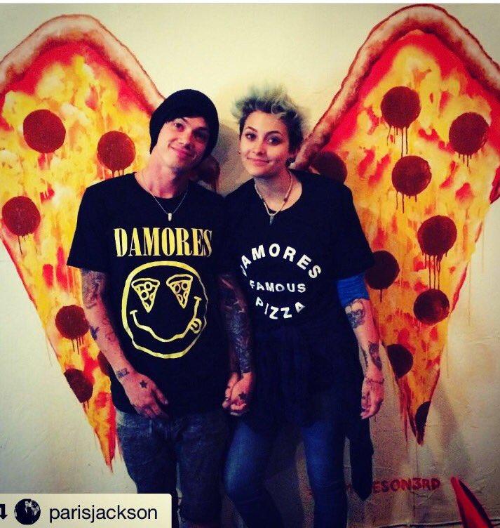 @ParisJackson & @michaelsnoddy Lookin fly in the #pizzawings @DamoresOn3rd