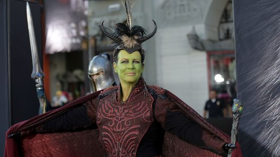 Jamie Lee Curtis cosplayed as an orc for 'World of Warcraft' premiere https://t.co/wAF8EaKlqG