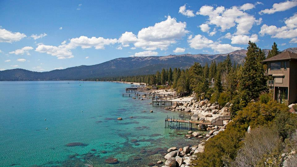 Q9: How could you every turn down the beautiful shores of North Lake Tahoe? #KidsNTrips @VisitCA #TravelMamas https://t.co/22LOBlnD90
