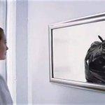 me olhando no espelho agora de manhã https://t.co/r0a5ZJaTud
