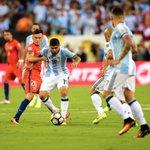 ¡Arranca el segundo tiempo! #ARGvCHI #Copa100 https://t.co/K5h9KhFYA6