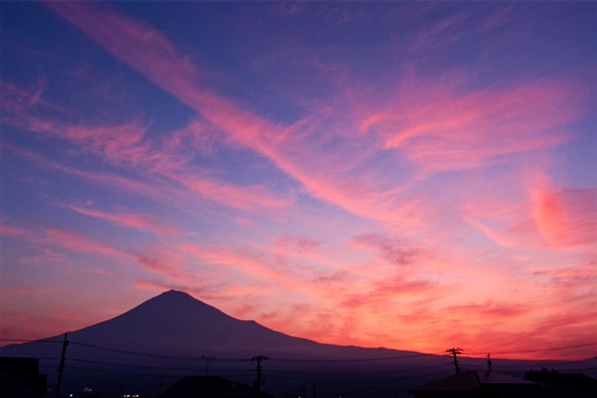 6月27日富士宮からの早朝富士山 おはようございます(^ ^)綺麗な朝焼けが見られました~ - フォト蔵 https://t.co/fKapob1chg https://t.co/Sm1bz4lywX
