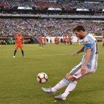 Culmina el primer tiempo en el @MLStadium con el marcador igualado en cero. #ARGvCHI #Copa100 https://t.co/jZ0q4o1ylb
