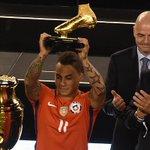 Eduardo Vargas le ganó a Lionel Messi y se consagró bigoleador de América https://t.co/4rnyvdccuc https://t.co/41ktByZ8dr