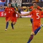 [Fotos] Otra mirada a la final en que Chile se consagró bicampeón de la #CA2016 https://t.co/FNykkjFUBC https://t.co/CFBLen5Nw1