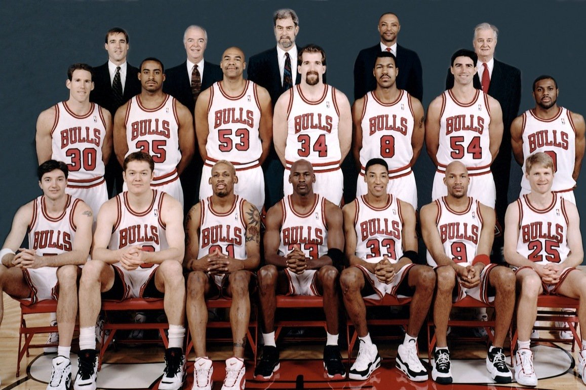 Behold the greatest team to ever play basketball. #NBAFinals Also: @KingJames is a beast. Deserves everything. https://t.co/Qy8roJHzEN