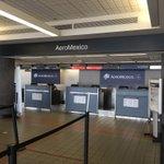 Siempre que viajo en @Aeromexico algo hacen mal. Esta vez llegue 1:30 antes del vuelo y no hay nadie quien atienda. https://t.co/L96Alob6N0