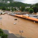 Statewide disaster: Floods kill at least 14 in West Virginia, governor says. Photos & video: https://t.co/QNqBJyMxW4 https://t.co/tCOSWjKqBi