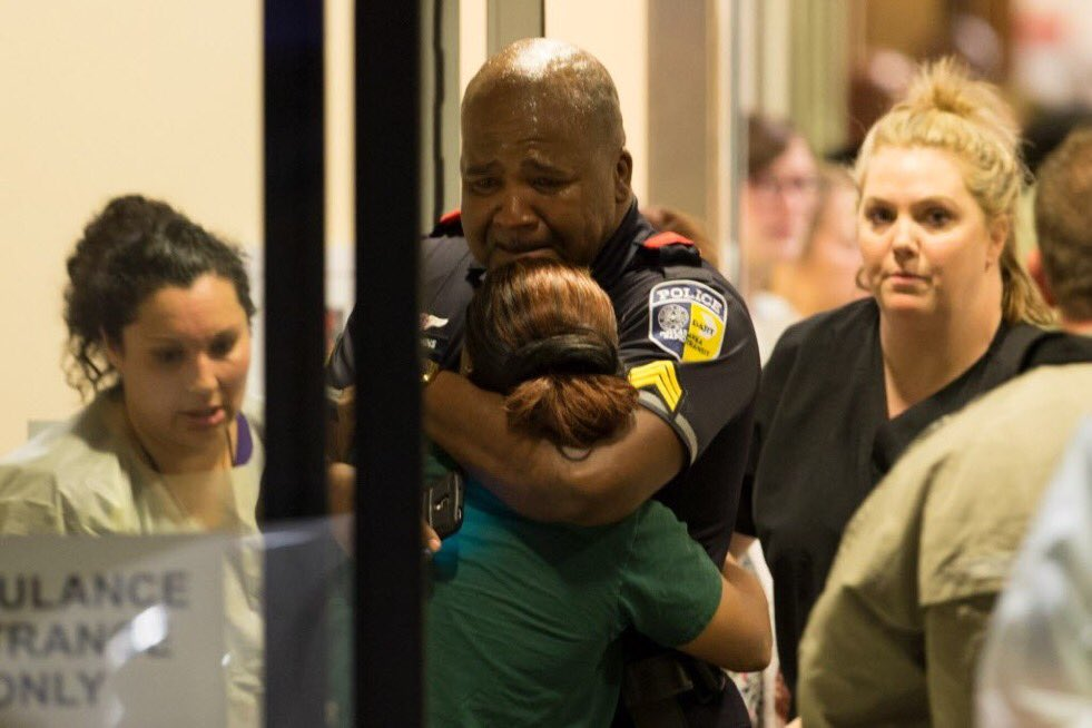 Heartbreaking image from @dallasnews taken at a hospital in Dallas: https://t.co/fxj3alkPtU