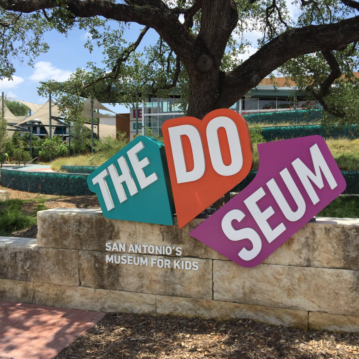 We are going on hour number 3 at the @TheDoSeum what a fantastic museum for kids! #VisitSA @VisitSanAntonio #TMOM https://t.co/IT1zM9jk7B